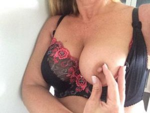 Marise mature escorts in Saint-Philippe