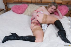 Loeva pantyhose escorts in Marysville, CA